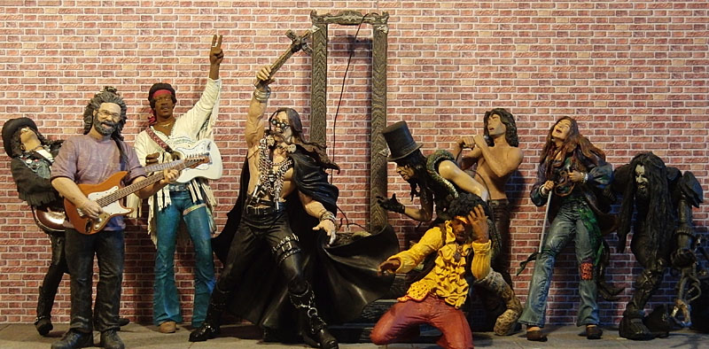 McFarlane Music : musicmcf from action-figure-district.de size 800 x 394 jpeg 155kB