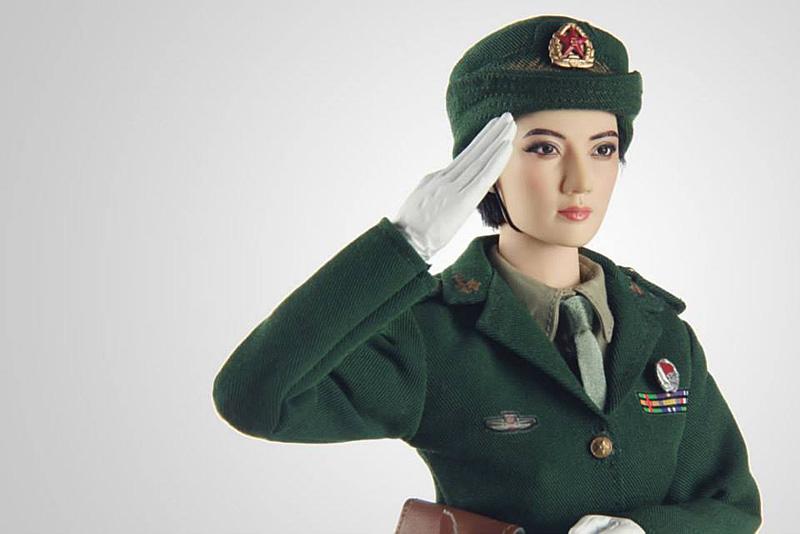 ph-female-soldier1