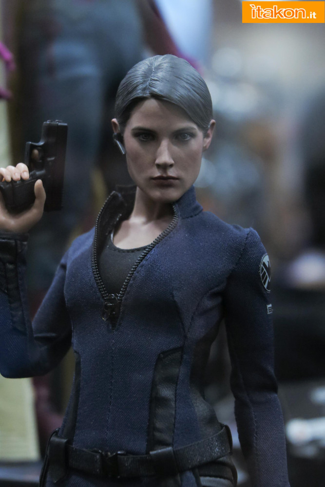 hot-toys-sdcc-2015-145