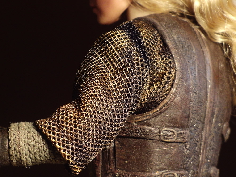 asmus-eowyn-outfit06