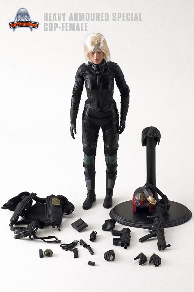 af-female-cop08