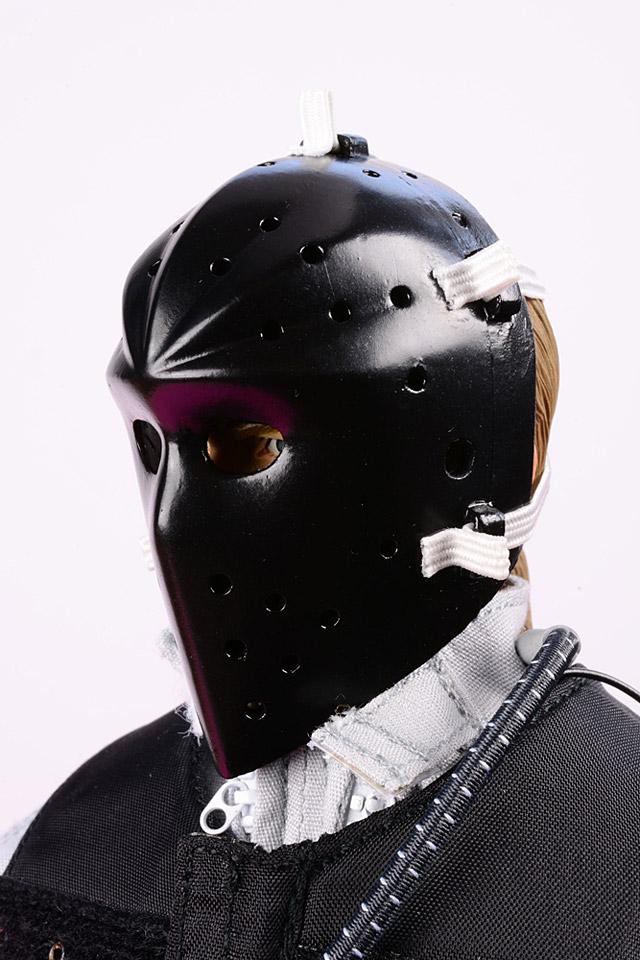 cra-bankrobber_F2-Maske-angelegt-Halbprofil