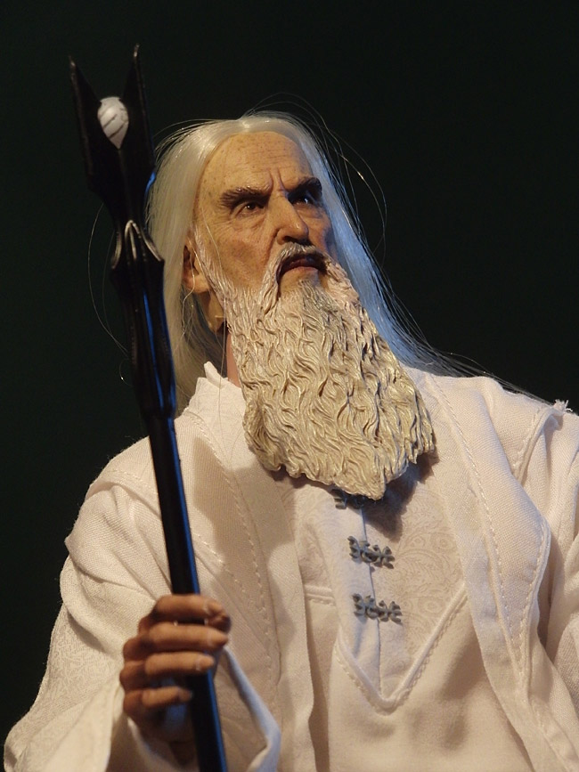 asm-saruman-pose1