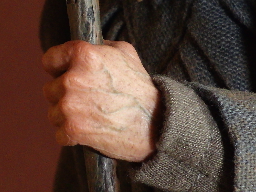 asmus-gandalf-hands1