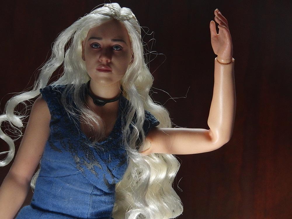 daenerys-body2